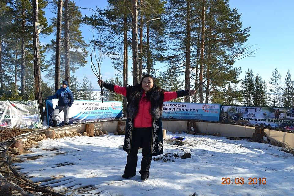 Жительница Волгограда угодила вКнигу Гиннесса за наибольший амулет