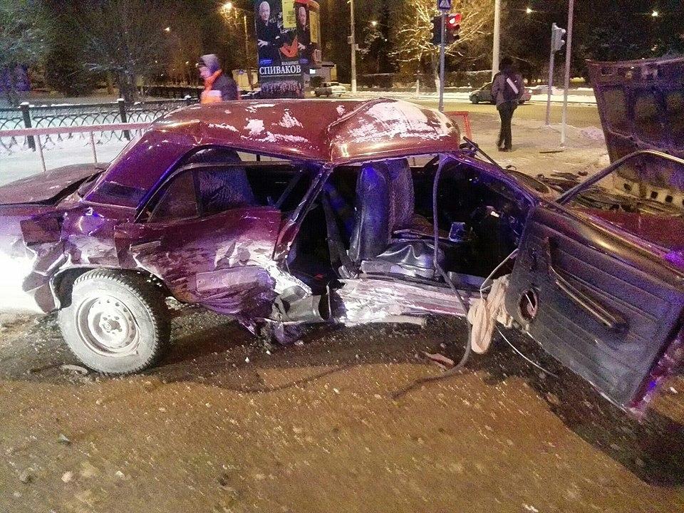 Вночь на27января вВорошиловском районе Волгограда случилось серьезное ДТП