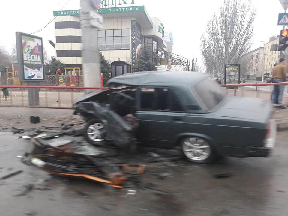 Утром  Порш  Cayenne столкнулся с«семеркой» вВолгограде