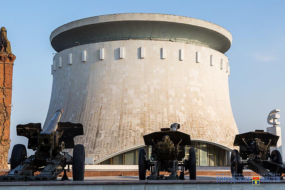 Военную технику волгоградского музея возвращают насмотровые площадки