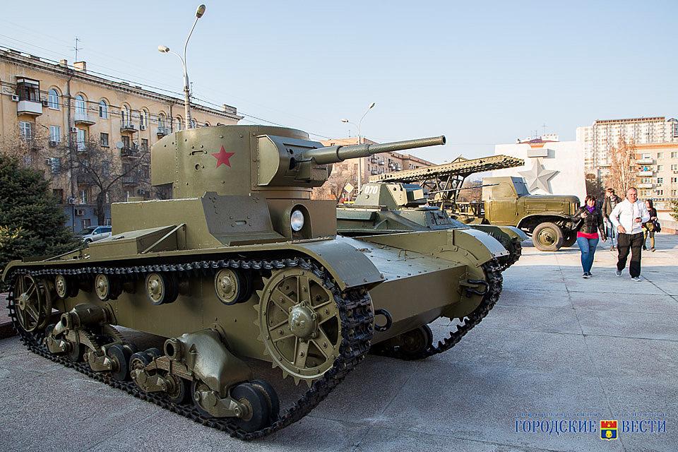Военная техника возвращается наэстакаду музея-панорамы «Сталинградская битва»
