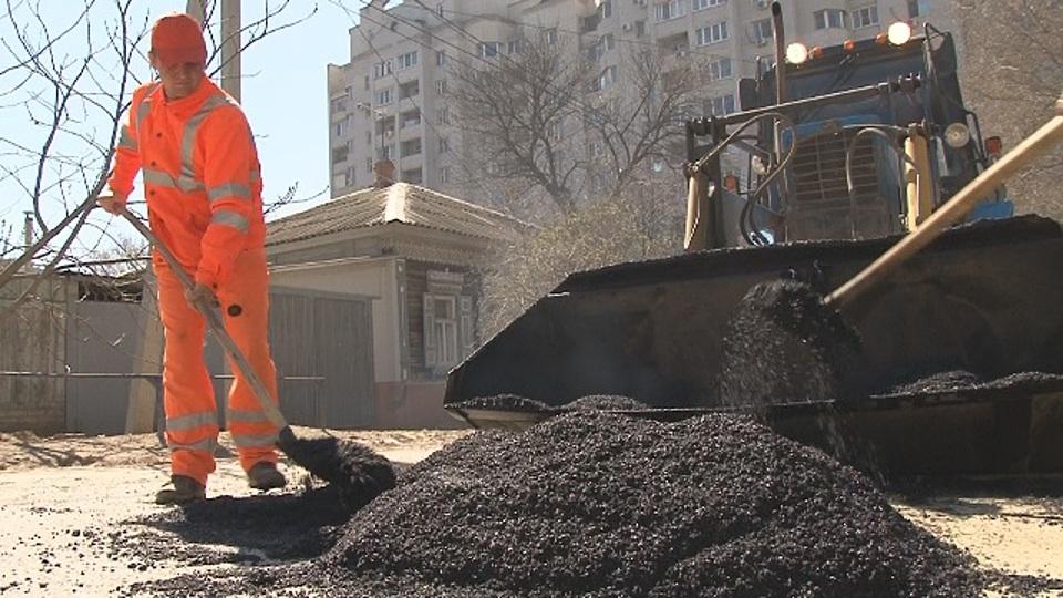 Вцентре Волгограда начали ремонт улицы Кубанской