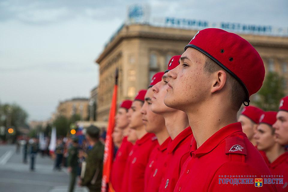 ВВолгограде прошел генеральный прогон Парада Победы