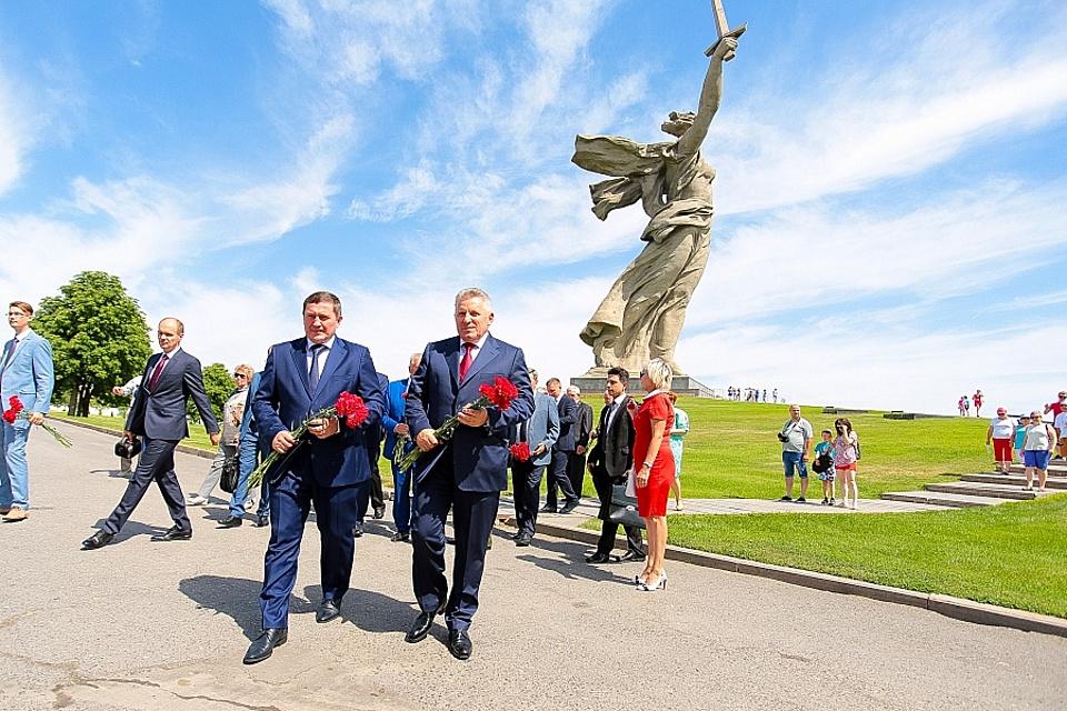 ВВолгограде открыли монумент воинам-дальневосточникам