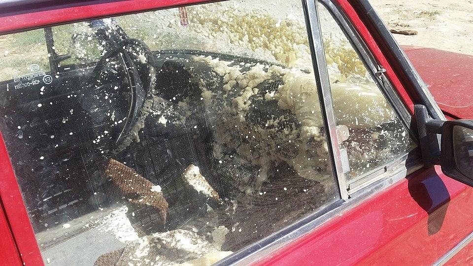 Баллон смонтажной пеной взорвался всалоне авто вВолгограде