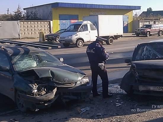 Двое детей иженщина пострадали в трагедии вВорошиловском районе Волгограда