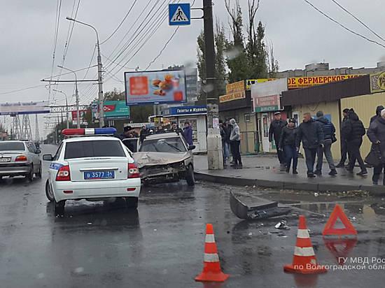 14-летняя девочка иженщина пострадали втройном ДТП вВолгограде