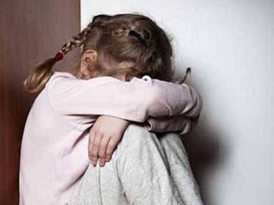 Педофил одновременно изнасиловал восьмилетних ребенка идевочку вВолгограде