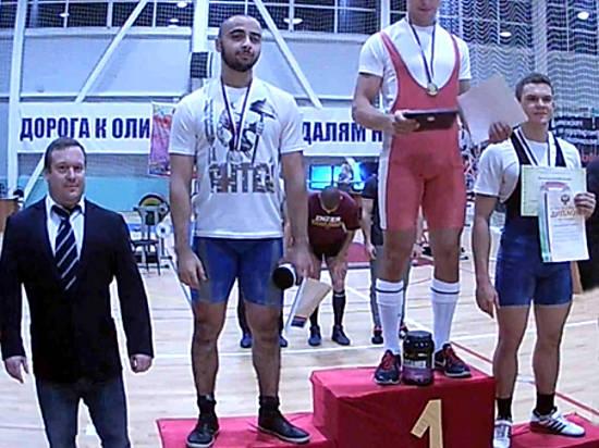 Двое молодых волгоградских пауэрлифтеров выиграли медали главенства Российской Федерации