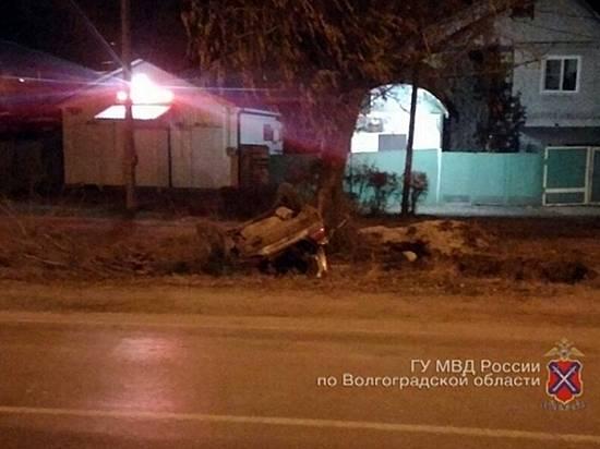 Наюге Волгограда перевернулась «Дэу Нексия», погибла 27-летняя пассажирка