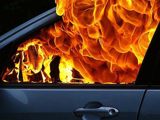 Врегионе засутки сгорели 5 машин иодин гараж