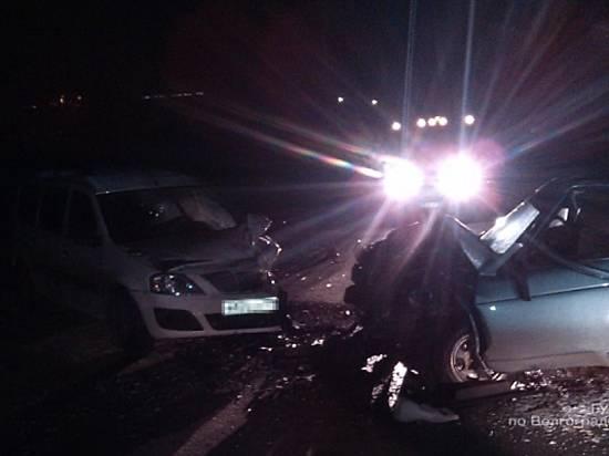 Встолкновении «ВАЗа» и«Лады» вУрюпинске пострадали 4 человека