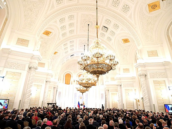 Свыше 600 корреспондентов собрались вКремле на письмо президента