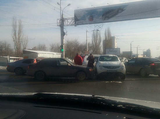 ДТП наАстраханском мосту собрало многокилометровую пробку