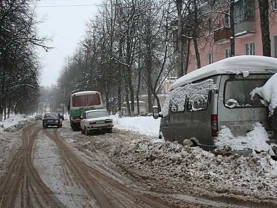 Надороги Волгограда заночь высыпали две тысячи тонн песко-соляной смеси