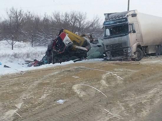 Натрассе Сызрань-Саратов-Волгоград под Антиповкой умер шофёр фуры