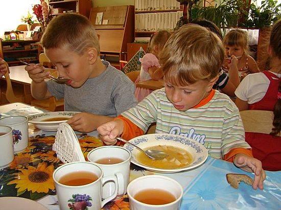 ВВолгограде определили первого основного «повара» на компанию питания вдетских садах