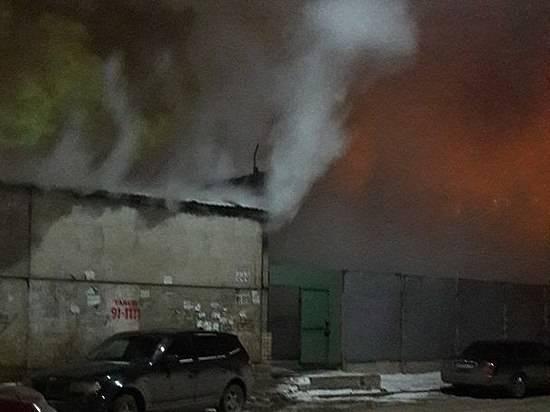 ВВолгограде из-за неисправной проводки сгорели два кроссовера