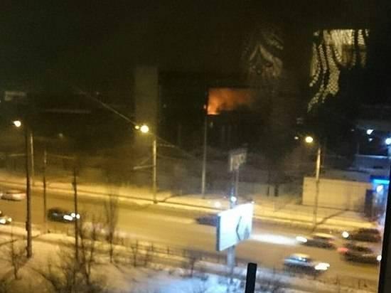 ВВолгограде горел заброшенный цех Тракторного завода