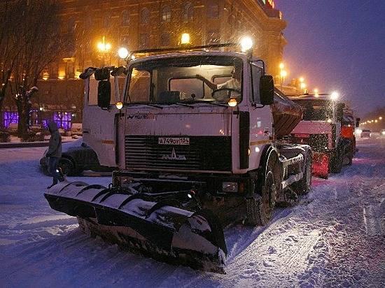 Последствия снегопада вВолгограде устраняли 70 единиц специальной техники