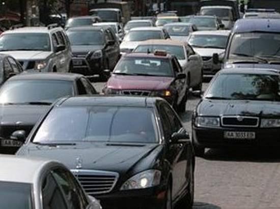 ВСоветском районе Волгограда вначале рабочей недели ограничат движение через переезд