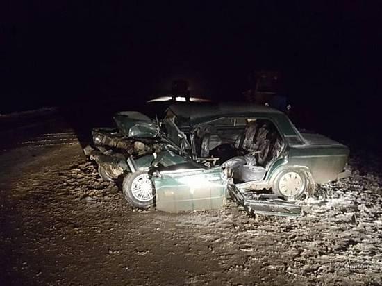 Каменск-Шахтинский: ВАЗ ночью «влетел» вКАМАЗ надороге Волгоград
