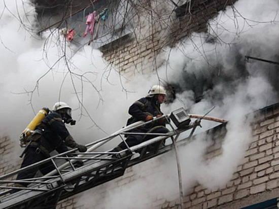 Из-за 2-х маленьких возгораний вВолгограде эвакуировали 30 жильцов девятиэтажек