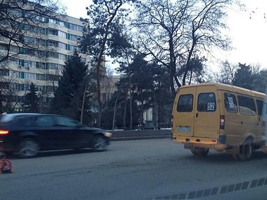 ВВолгограде случилось «тройное» ДТП сучастием маршрутного такси