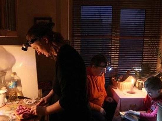 Граждане 2-х районов Волгограда остались без света после трагедии