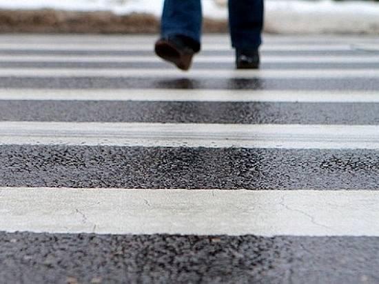 В основном районе пенсионер наиномарке сбил 2-х пешеходов