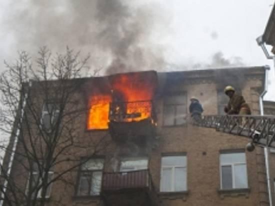 Насевере Волгограда вспыхнул пожар в9-этажке: 5 человек эвакуировано