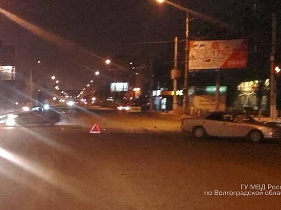 20-летний шофёр «Ниссана» столкнулся с 2-мя автомобилями вВолгограде