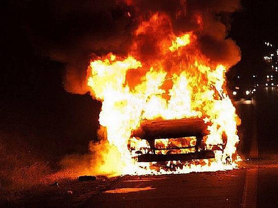 Вдвух районах Волгоградской области сгорели 2 иномарки