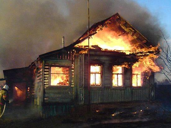 Под Волгоградом вдоме живьем сгорел 52-летний мужчина