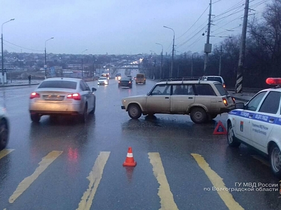 13-летний ребенок попал под колеса «ВАЗа» вСоветском районе Волгограда