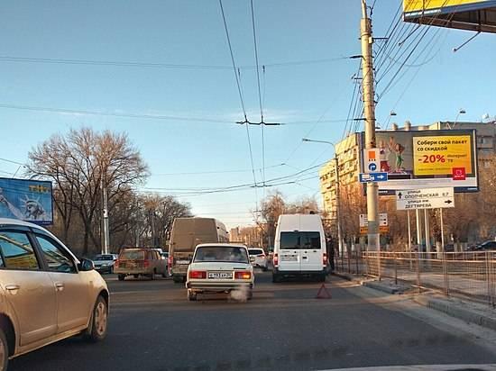 ВВолгограде сутра из-за дорожного происшествия создалась крупная пробка