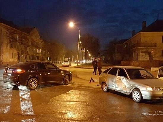 Насевере Волгограда 19-летняя автоледи протаранила «БМВ»