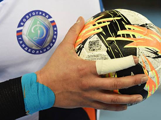 Гандболистки волгоградского «Динамо» разобрались спринципиальными соперницами изКубани