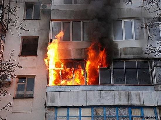 Изгорящей десятиэтажки назападе Волгограда эвакуировали 15 человек