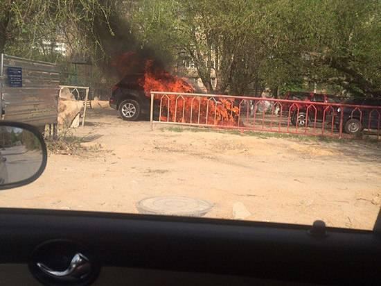 ВДзержинском районе задержали предполагаемых поджигателей «Ауди»
