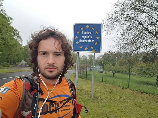 Марафонец, который бежит изВолгограда вБерлин, добрался доГермании