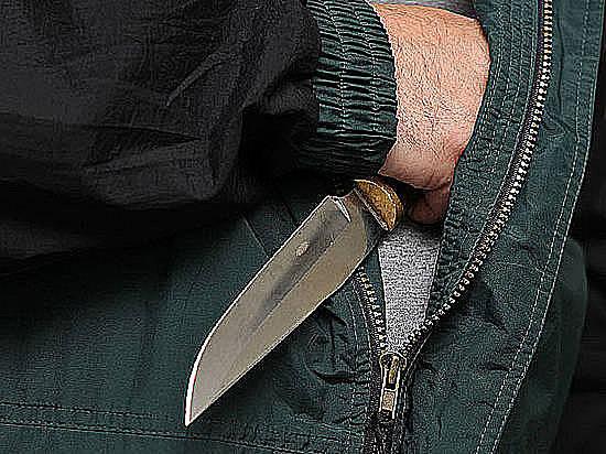 ВВолгоградской области дебошир с 2-мя ножами напал научасткового
