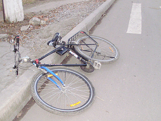 ВВолгограде шофёр авто сбил пенсионерку-велосипедистку и исчез