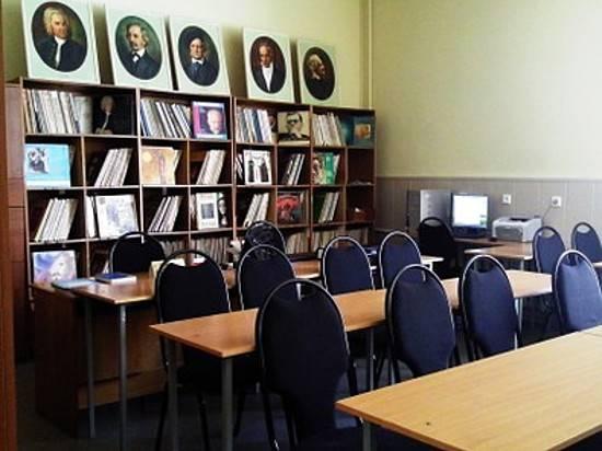 ВВолгограде без объяснения обстоятельств  уволен ректор Серебряковки