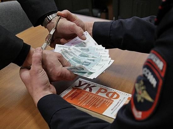 Волгоградца задержали завзятку в 200 тыс. майору милиции