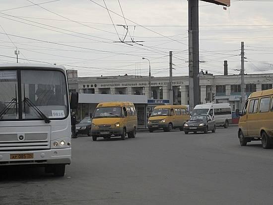 Маршрутки стабличками «Заказной» небезопасны для пассажиров,— мэрия Волгограда