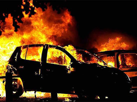 ВКлетском районе ночью сгорел автомобиль
