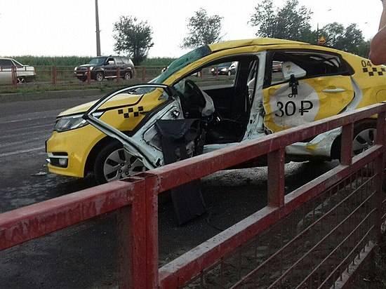 Шофёр такси умер встолкновении сУАЗом вВолгограде