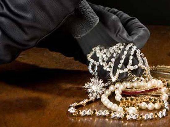Под Волгоградом неизвестные ограбили ювелирный магазин насемь млн. руб.