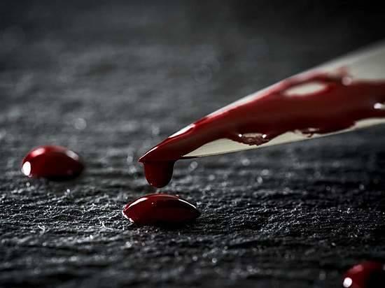 Волгоградец убил влесу свою супругу исделал себе харакири